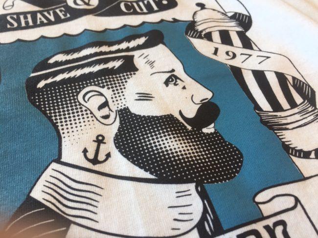 Stampa in serigrafia con disegno personalizzato di Vitagrama. Stampa serigrafica a Ceccano, Frosinone per Barber Shop.