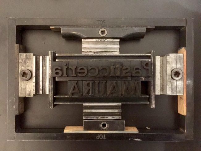 Biglietti da visita Letterpess a Frosinone. Composizione tipografica a caratteri mobili.